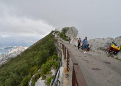 Gibraltar, Touristen-Stau auf dem Gipfelgrat