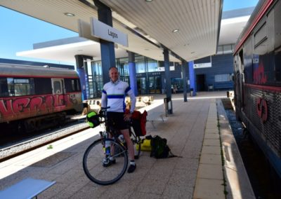 Portugal, Aufbruch und Km 0 am Bahnhof von Lagos, Algarve