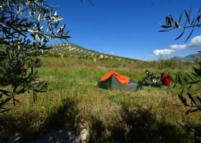 Spanien, Andalusien, ein ganz normaler wilder Zeltplatz südl. des Parque Natural Sierra Magina